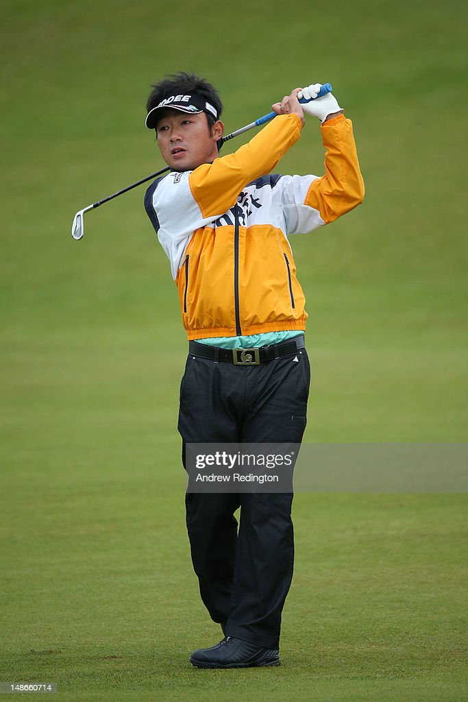 <a gi-track='captionPersonalityLinkClicked' href=/galleries/search?phrase=Kodai+Ichihara&family=editorial&specificpeople=6474254 ng-click='$event.stopPropagation()'>Kodai Ichihara</a> of Japan hits a shot during the first round of the 141st Open Championship at Royal Lytham & St Annes Golf Club on July 19, 2012 in Lytham St Annes, England.
