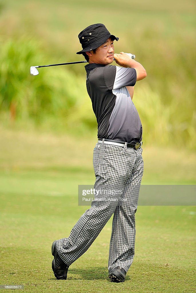 <a gi-track='captionPersonalityLinkClicked' href=/galleries/search?phrase=Kodai+Ichihara&family=editorial&specificpeople=6474254 ng-click='$event.stopPropagation()'>Kodai Ichihara</a> of Japan plays a shot during round three of the Asian Tour Qualifying School Final Stage at Springfield Royal Country Club on January 25, 2013 in Hua Hin, Thailand.