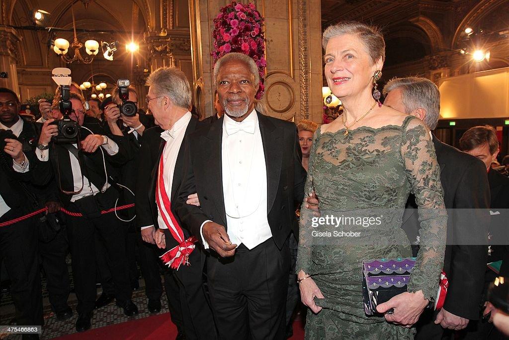 Kofi Annan and wife Nane Maria attend the traditional Vienna Opera Ball (Wiener Opernball) at Vienna State Opera on February 27, 2014 in Vienna, Austria.
