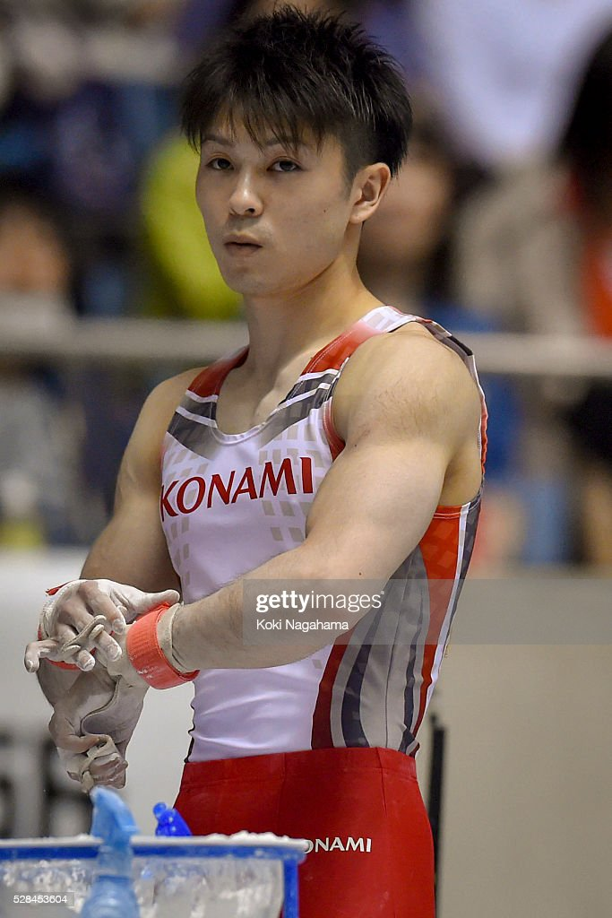 <a gi-track='captionPersonalityLinkClicked' href=/galleries/search?phrase=Kohei+Uchimura&family=editorial&specificpeople=5481263 ng-click='$event.stopPropagation()'>Kohei Uchimura</a> looks on in the Horizontal Bar during the Artistic Gymnastics NHK Trophy at Yoyogi National Gymnasium on May 5, 2016 in Tokyo, Japan.