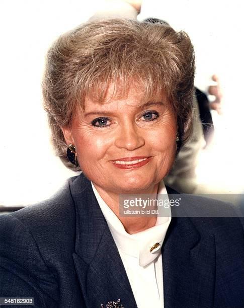 Kohl Hannelore * Dolmetscherin D Ehefrau von Helmut Kohl Bundeskanzler 19821998 Portrait laechelt