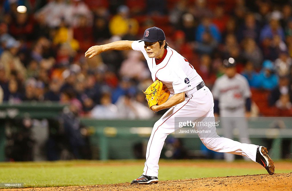 <a gi-track='captionPersonalityLinkClicked' href=/galleries/search?phrase=Koji+Uehara&family=editorial&specificpeople=801278 ng-click='$event.stopPropagation()'>Koji Uehara</a> #19 of the Boston Red Sox pitches against the Minnesota Twins during the game on May 9, 2013 at Fenway Park in Boston, Massachusetts.