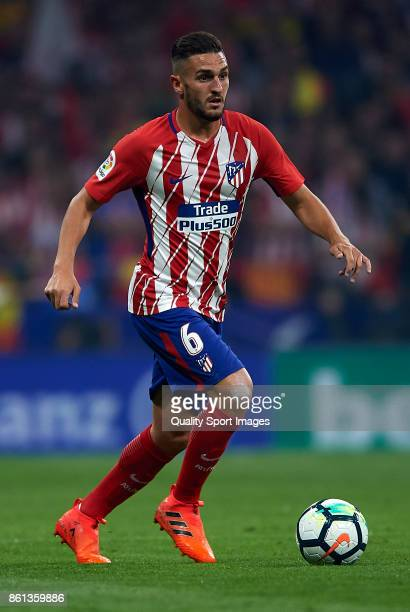 Koke of Atletico Madrid runs with the ball during the La Liga match between Atletico Madrid and Barcelona at Estadio Wanda Metropolitano on October...