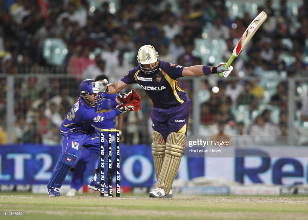 Kolkata Knight Riders batsman <a gi-track='captionPersonalityLinkClicked' href=/galleries/search?phrase=Jacques+Kallis&family=editorial&specificpeople=184509 ng-click='$event.stopPropagation()'>Jacques Kallis</a> leaving the ball during IPL 5 cricket match played between Rajasthan Royals and Kolkata Knight Riders at Eden Garden on April 13, 2012 in Kolkata, India, Kolkata Knight Riders won by 5 wickets with 4 balls remaining.