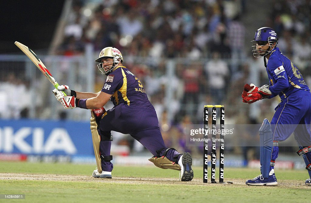 Kolkata Knight Riders batsman <a gi-track='captionPersonalityLinkClicked' href=/galleries/search?phrase=Jacques+Kallis&family=editorial&specificpeople=184509 ng-click='$event.stopPropagation()'>Jacques Kallis</a> plays a shot during IPL 5 cricket match played between Rajasthan Royals and Kolkata Knight Riders at Eden Garden on April 13, 2012 in Kolkata, India, Kolkata Knight Riders won by 5 wickets with 4 balls remaining.