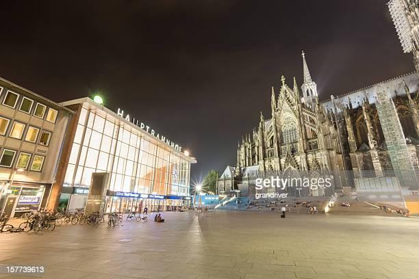 Köln Bahnhof und der Kathedrale