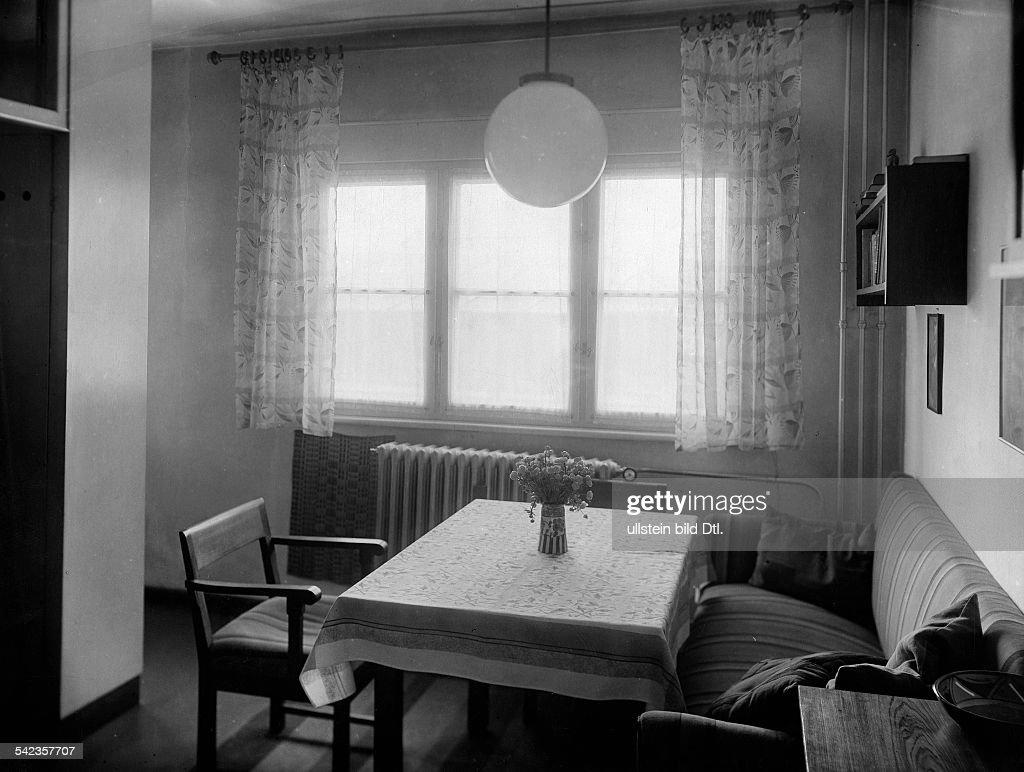Kombination Aus Wohn  Und Esszimmer  1935