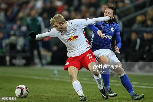 Konrad Laimer of Salzburg and Yevhen Konoplyanka of Schalke battle for the ball during the UEFA Europa League match between FC Salzburg and FC...