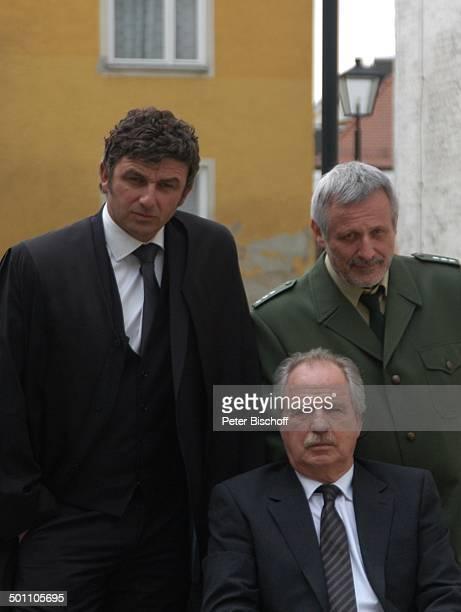Konstantin Wecker Hans Sigl Friedrich von Thun ZDFKrimi 'Klarer Fall für Bär' Arbeitstitel 'Der Bär' Motiv 'Gerichtsverhandlung' Freising Bayern...