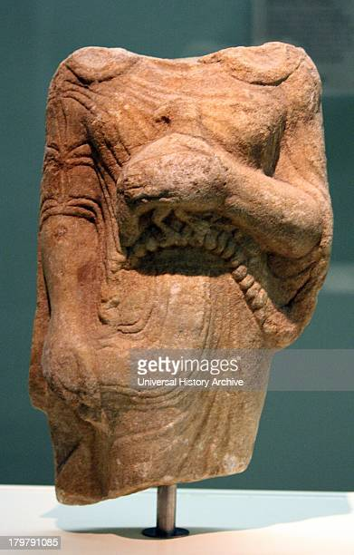 Kore holding a bird as an offering Marble made in Ionia From Theangela Karia made about 525500BC In Archaic Greek art the successful treatment of...