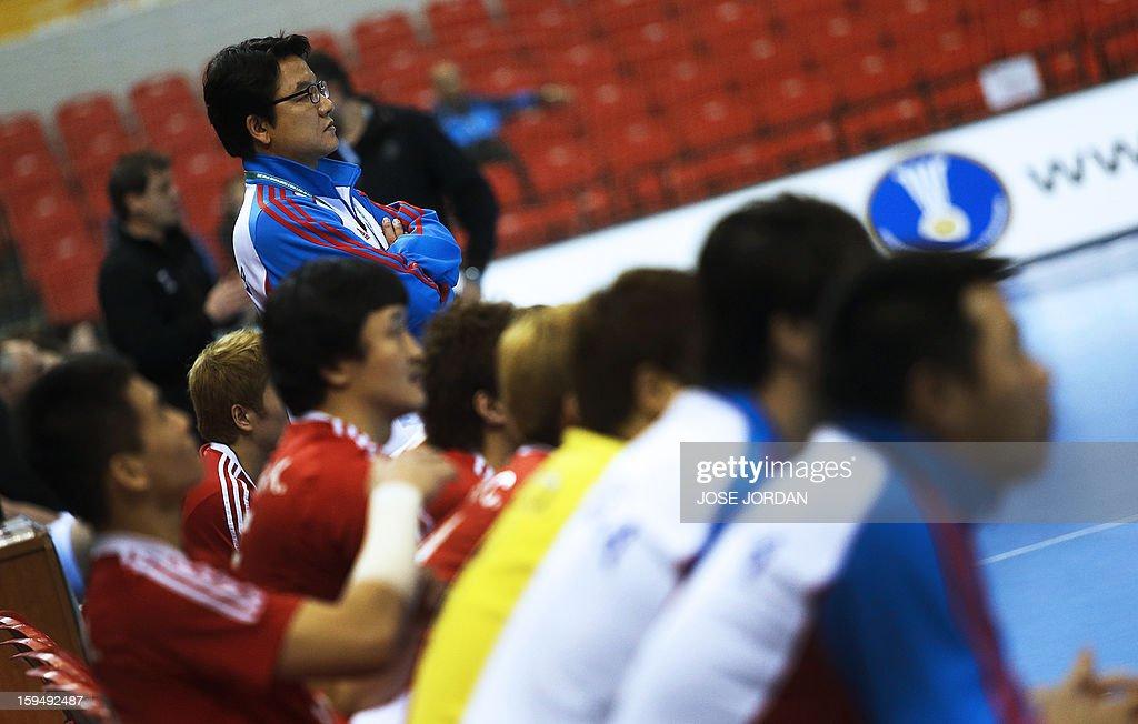 Korea's coach Lee Sang-Sup looks on during the 23rd Men's Handball World Championships preliminary round Group C match South Korea vs Slovenia at the Pabellon Principe Felipe in Zaragoza on January 14, 2013. AFP PHOTO / JOSE JORDAN