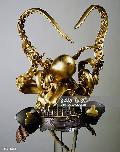 KoshotanNariZaboshi Bachi Kabuto helmet with elaborate decoration in gilded wood in the shape of an octopus Edo period Japan end of 18th century...