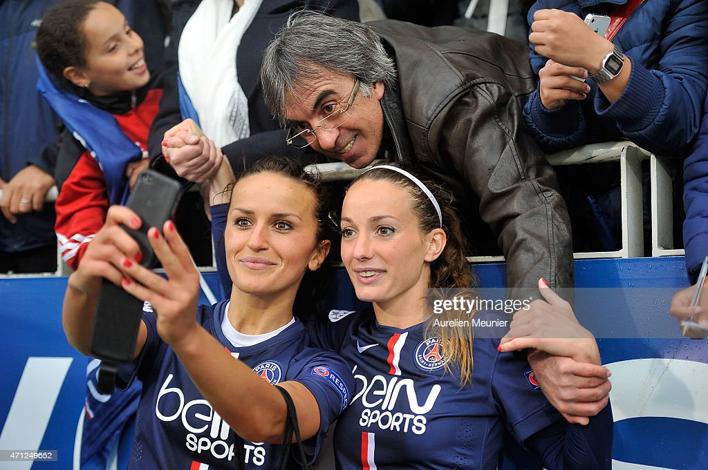 Paris Saint-Germain v VfL Wolfsburg  - UEFA Womens Champions League Semifinal