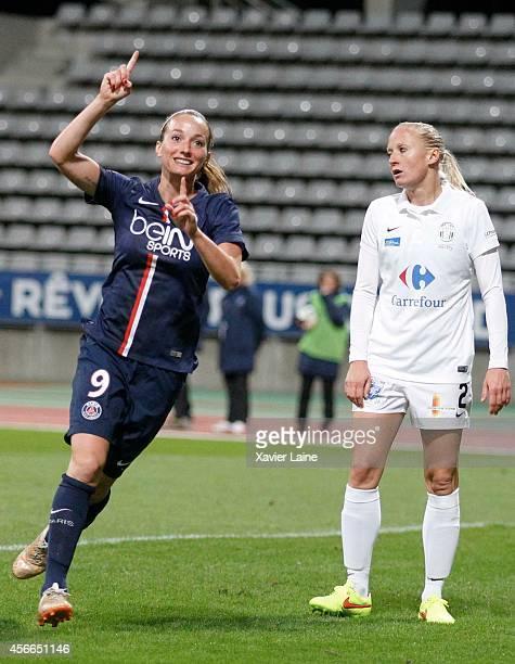 Kosovare Asllani of Paris SaintGermain celebrates his goal during the Women Division 1 between Paris SaintGermain FC and FCF Juvisy Essonne at...