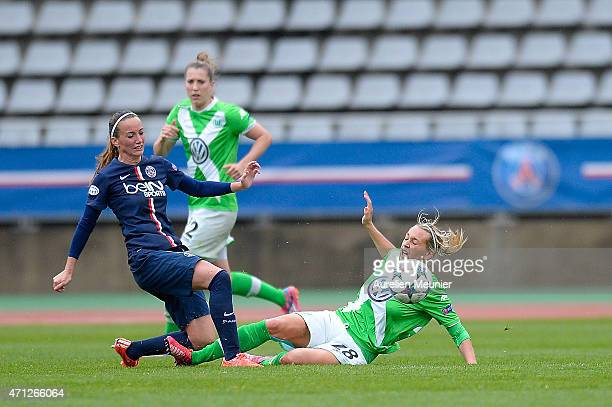 Kosovare Asllani of PSG and Lena Goessling of VfL Wolfsburg in action during the UEFA Womens Champions League Semifinal game between Paris Saint...