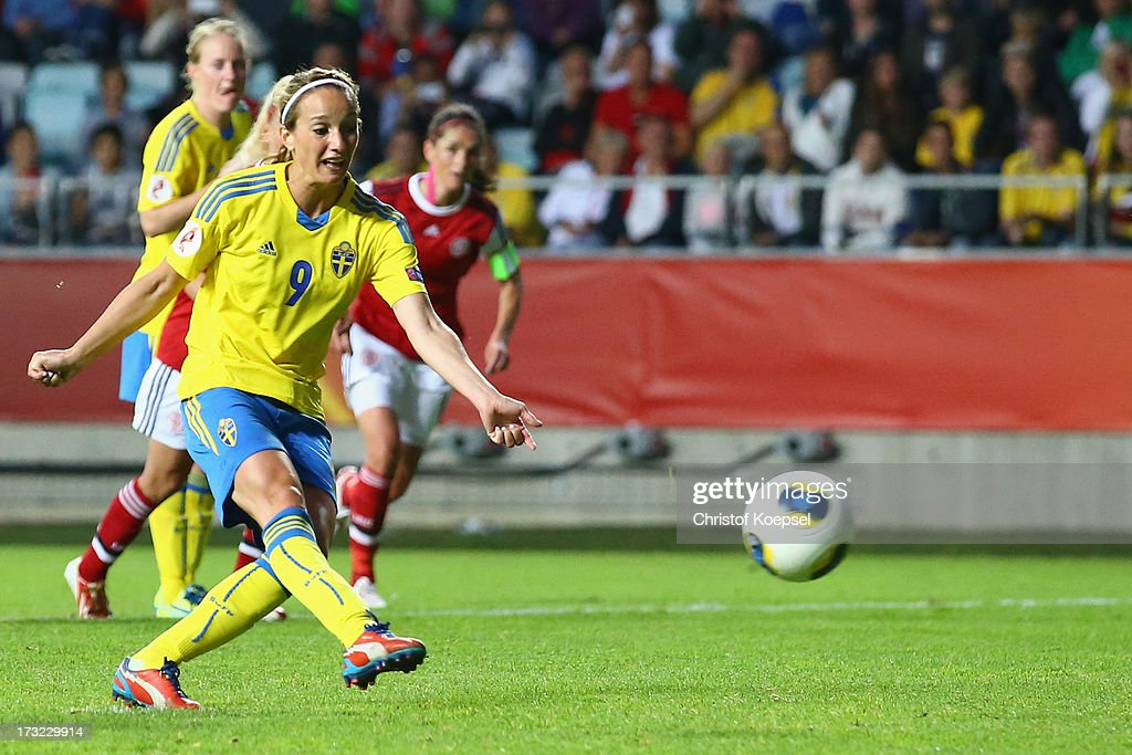 <a gi-track='captionPersonalityLinkClicked' href=/galleries/search?phrase=Kosovare+Asllani&family=editorial&specificpeople=6176342 ng-click='$event.stopPropagation()'>Kosovare Asllani</a> of Sweden misses te second penalty during the UEFA Women's EURO 2013 Group A match between Sweden and Denmark at Gamla Ullevi Stadium on July 10, 2013 in Gothenburg, Sweden.