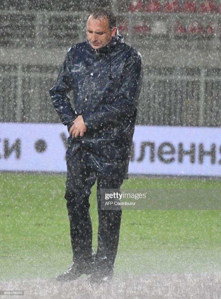 Kosovo's head coach Albert Bunjaku looks on from the touchline during the FIFA World Cup 2018 qualification football match between Kosovo and Ukraine at The Loro Borici Stadium in Shkoder on October 6, 2017. / AFP PHOTO / Gent SHKULLAKU