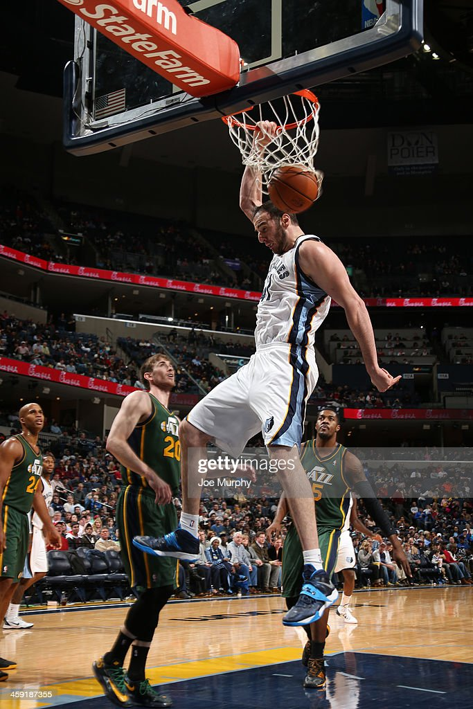 Kosta Koufos #41 of the Memphis Grizzlies dunks against the Utah Jazz on December 23, 2013 at FedExForum in Memphis, Tennessee.