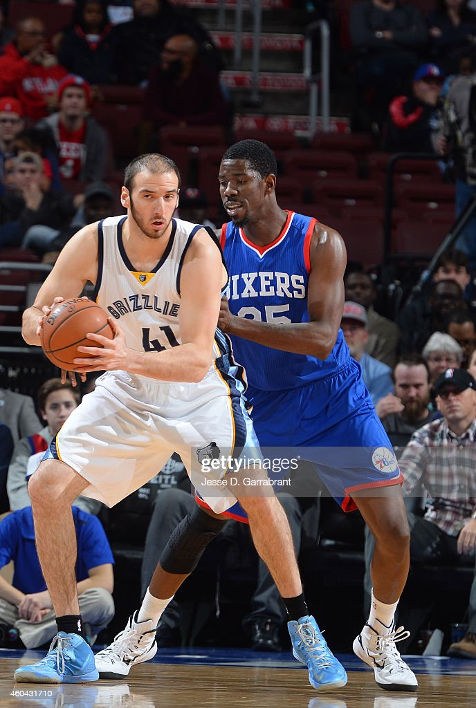 <a gi-track='captionPersonalityLinkClicked' href=/galleries/search?phrase=Kosta+Koufos&family=editorial&specificpeople=4216032 ng-click='$event.stopPropagation()'>Kosta Koufos</a> #41 of the Memphis Grizzlies looks to pass the ball against the Philadelphia 76ers on December 13, 2014 at Wells Fargo Center in Philadelphia, PA.