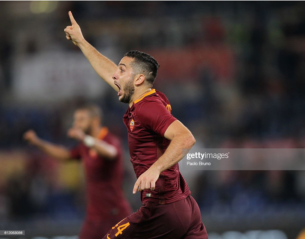Kostas Manolas of AS Roma celebrates after scoring the team's second goal during the Serie A match between AS Roma and FC Internazionale at Stadio Olimpico on October 2, 2016 in Rome, Italy.