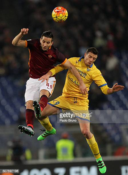 Kostas Manolas of AS Roma competes for the ball with Daniel Ciofani of Frosinone Calcio during the Serie A match between AS Roma and Frosinone Calcio...
