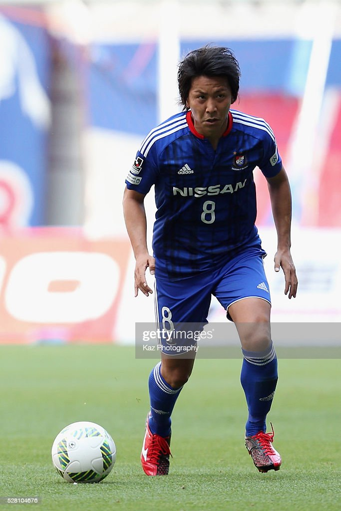 Kosuke Nakamachi of Yokohama F.Marinos in action during the J.League match between Nagoya Grampus and Yokohama F.Marinos at the Toyota Stadium on May 4, 2016 in Toyota, Aichi, Japan.