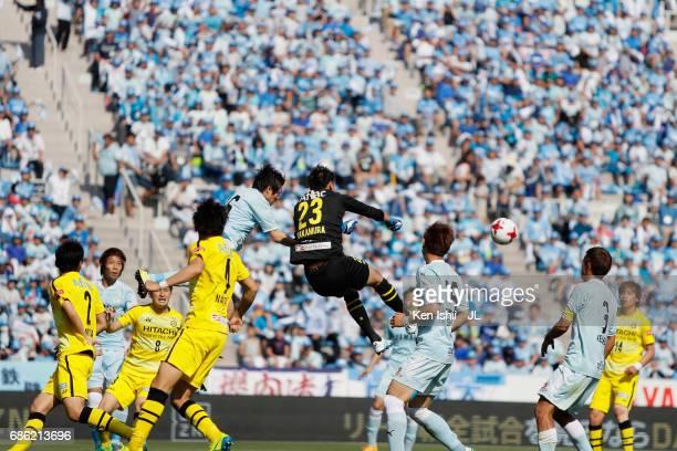 Kosuke Nakamura puches the ball during the JLeague J1 match between Jubilo Iwata and Kashiwa Reysol at Yamaha Stadium on May 20 2017 in Iwata...