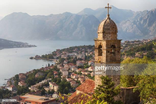 Kotor Stadtlandschaft und die Kirche der Muttergottes von Remedy