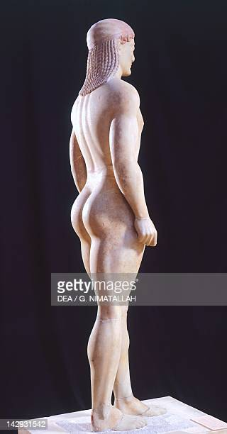 Kouros 525550 BC sculpture of the archaic age from Anavissos Side view Greek Civilization 6th Century BC Athens Ethnikó Arheologikó Moussío