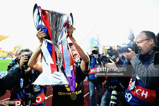 Kozue Ando of 1 FFC Frankfurt celebrates with the trophy after the UEFA Women's Champions League Final between 1 FFC Frankfurt and Paris St Germain...