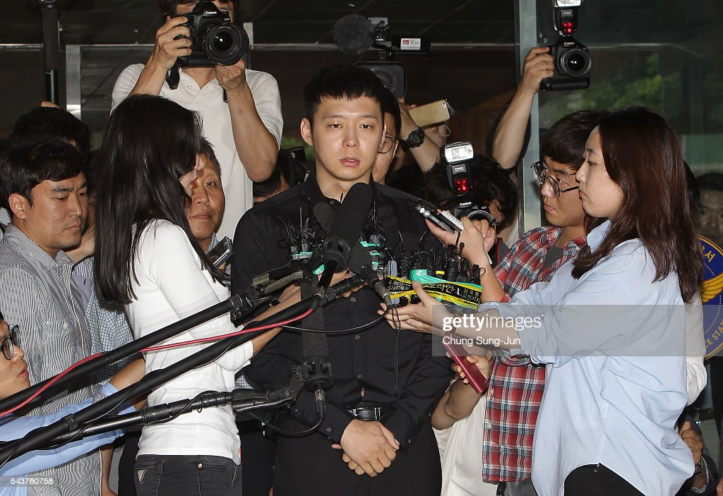 K-pop Star <a gi-track='captionPersonalityLinkClicked' href=/galleries/search?phrase=Park+Yoo-Chun&family=editorial&specificpeople=7444749 ng-click='$event.stopPropagation()'>Park Yoo-Chun</a> arrives at the Gangnam Police Station on June 30, 2016 in Seoul, South Korea. Park Yoo-chun, a member of popular K-pop boy band JYJ, underwent the questioning over sexual assault allegations of four women.