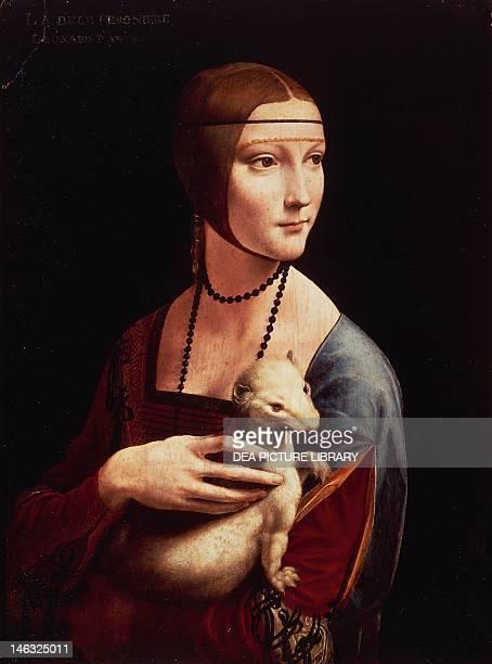 Krakov Muzeum Czartoryskich Portrait of Cecilia Gallerani or Lady with an Ermine 14881490 by Leonardo da Vinci oil on panel 544 x 403 cm