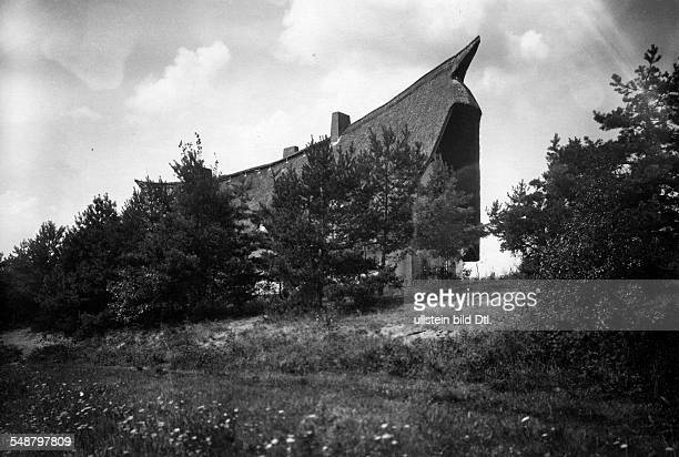 Krauskopf Bruno Painter Graphic Artist Germany *09031892 his house in the country in Saarow architect Harry Rosenthal about 1926 Photographer Lili...