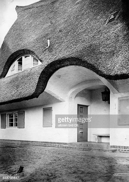 Krauskopf Bruno Painter Graphic Artist Germany *09031892 entrance of his house in Saarow architect Harry Rosenthal 1926 Photographer Lili Baruch...