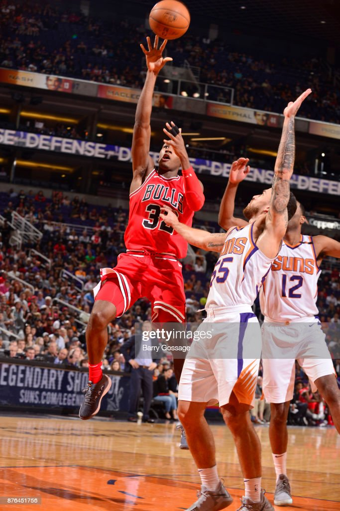 Kris Dunn #32 of the Chicago Bulls shoots the ball against the Phoenix Suns on November 19, 2017 at Talking Stick Resort Arena in Phoenix, Arizona.