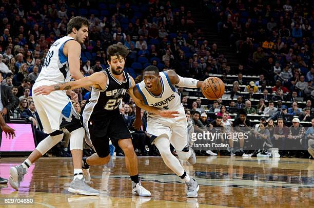 Kris Dunn of the Minnesota Timberwolves drives to the basket against Nicolas Laprovittola of the San Antonio Spurs during the game on December 6 2016...