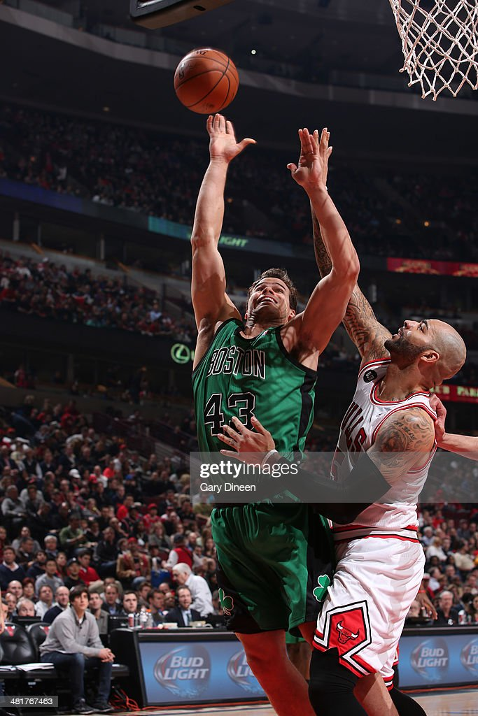 Kris Humphries #43 of the Boston Celtics goes to the basket against the Chicago Bulls on March 31, 2014 at the United Center in Chicago, Illinois.