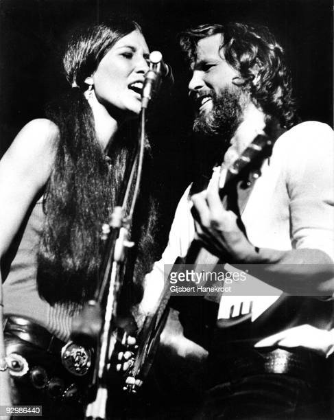 Kris Kristofferson and Rita Coolidge perform together in Vancouver Canada in 1971