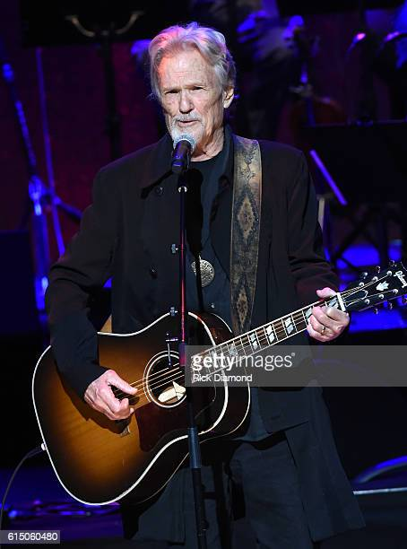 Kris Kristofferson performs onstage during the 2016 Medallion Ceremony at Country Music Hall of Fame and Museum on October 16 2016 in Nashville...