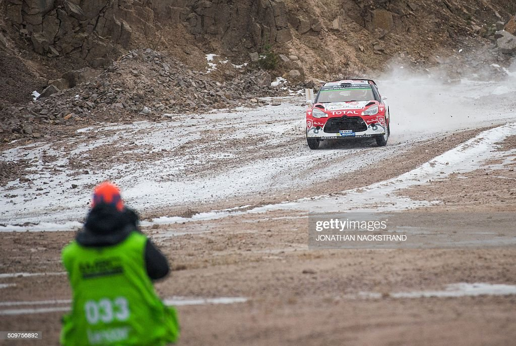 Kris Meeke of Britain and his co-driver Paul Nagle of Ireland steer their Citroen DS3 WRC during the 2nd stage of the Rally Sweden, second round of the FIA World Rally Championship on February 12, 2016 in Torsby, Sweden. / AFP / JONATHAN NACKSTRAND
