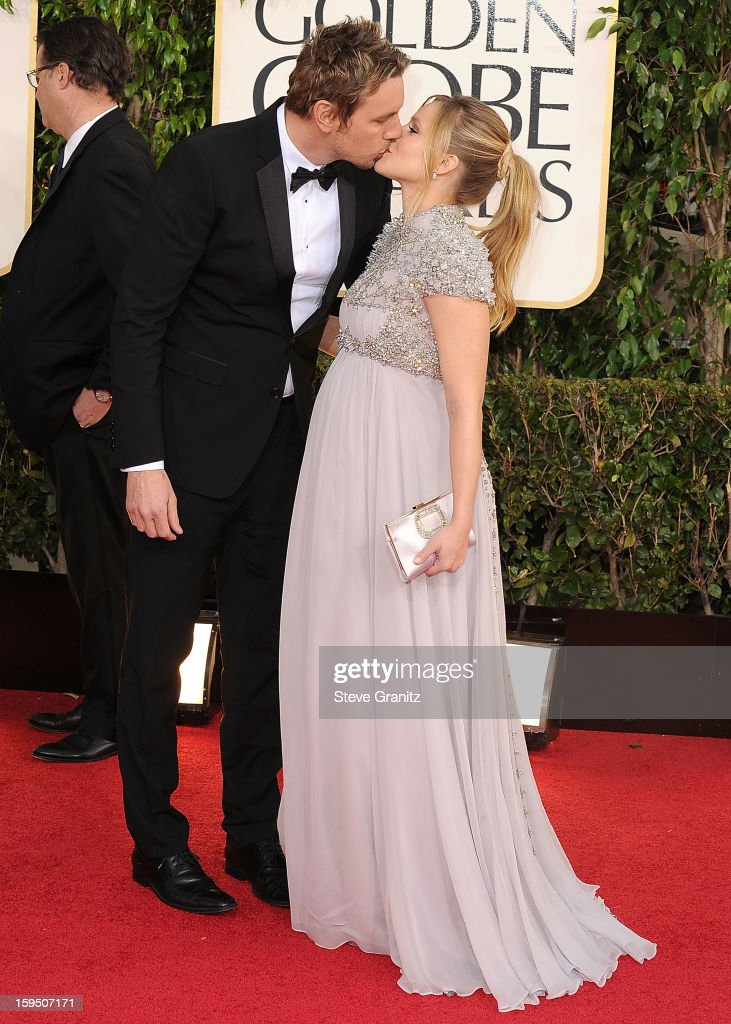 Kristen Bell and Dax Shepard arrives at the 70th Annual Golden Globe Awards at The Beverly Hilton Hotel on January 13, 2013 in Beverly Hills, California.