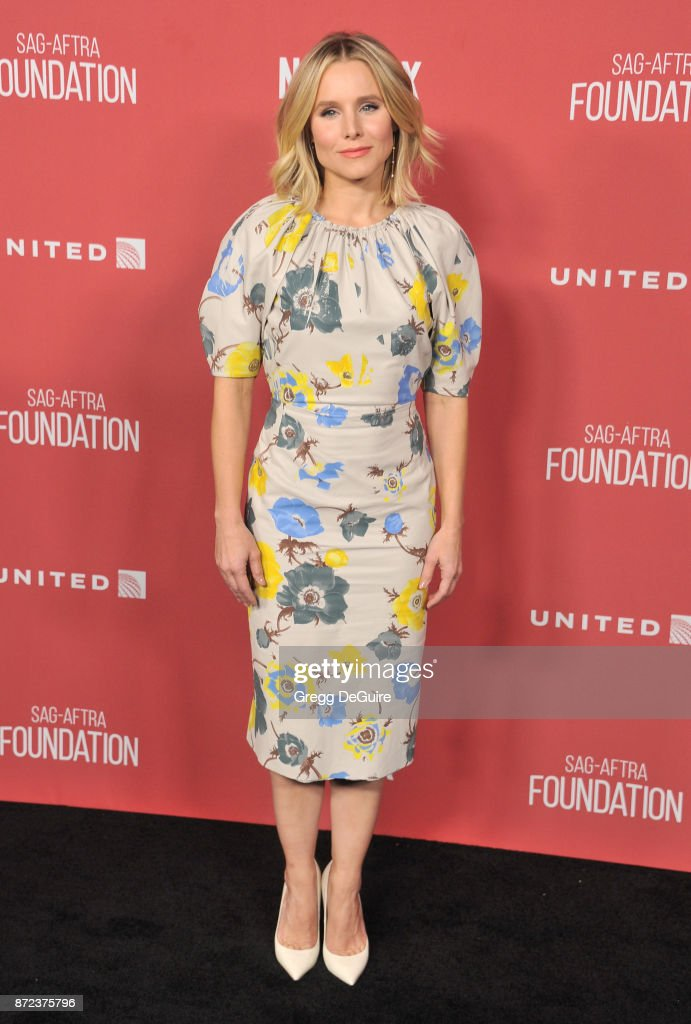 Kristen Bell arrives at the SAG-AFTRA Foundation Patron of the Artists Awards 2017 on November 9, 2017 in Beverly Hills, California.