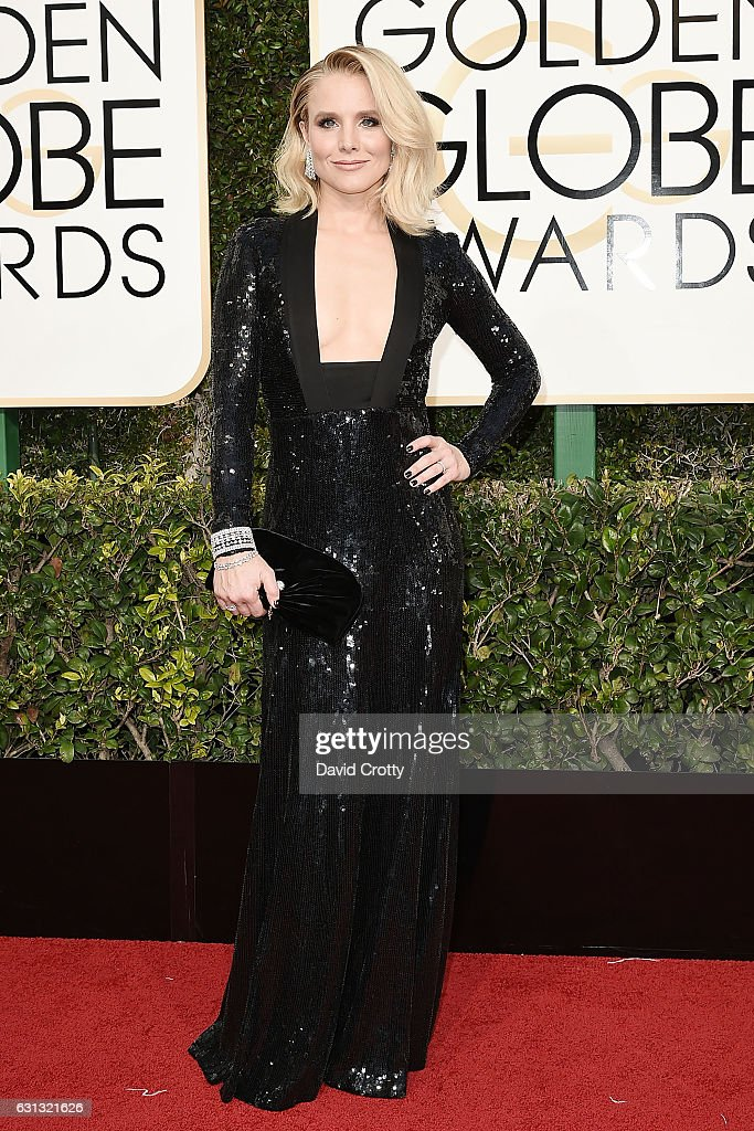 kristen-bell-attends-the-74th-annual-golden-globe-awards-arrivals-at-picture-id631321626