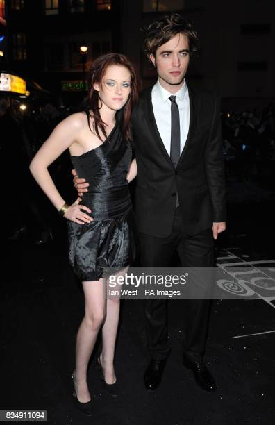 Kristen Stewart and Robert Pattinson arrive at the premiere of Twilight at the Vue West End cinema in central London