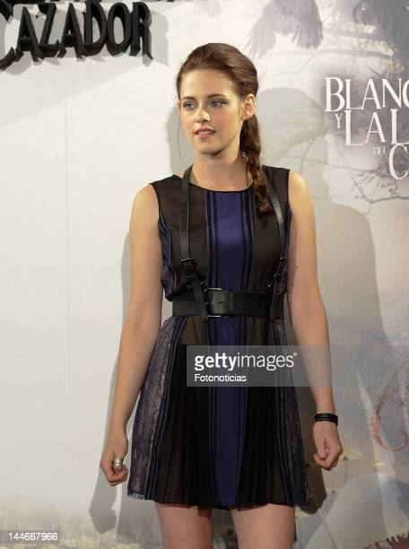 Kristen Stewart attends a photocall for 'Snow White and the Huntsman' at Casa de America on May 17 2012 in Madrid Spain