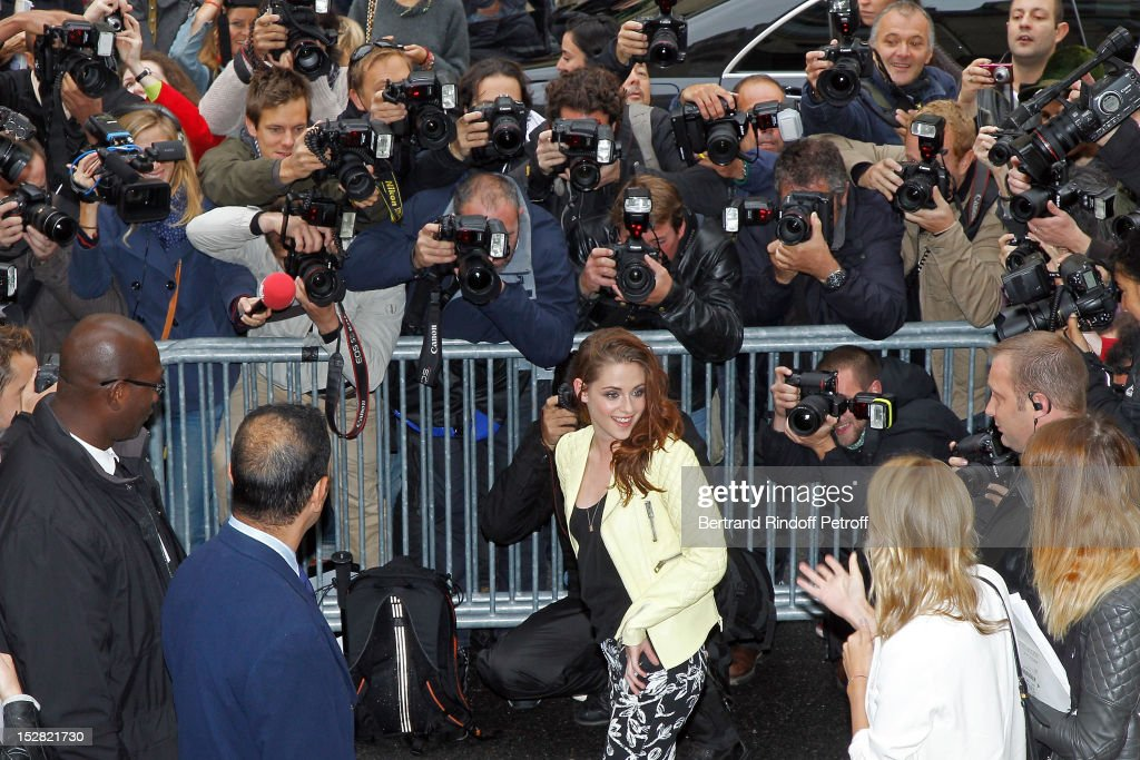 <a gi-track='captionPersonalityLinkClicked' href=/galleries/search?phrase=Kristen+Stewart&family=editorial&specificpeople=2166264 ng-click='$event.stopPropagation()'>Kristen Stewart</a> attends the Balenciaga Spring / Summer 2013 show as part of Paris Fashion Week on September 27, 2012 in Paris, France.