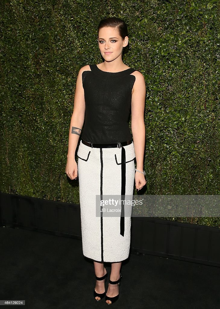 Kristen Stewart attends the Chanel And Charles Finch Pre-Oscar Dinner at Madeo Restaurant on February 21, 2015 in West Hollywood, California.