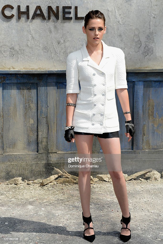 Kristen Stewart attends the Chanel show as part of Paris Fashion Week Haute Couture Fall/Winter 2013-2014 at Grand Palais on July 2, 2013 in Paris, France.