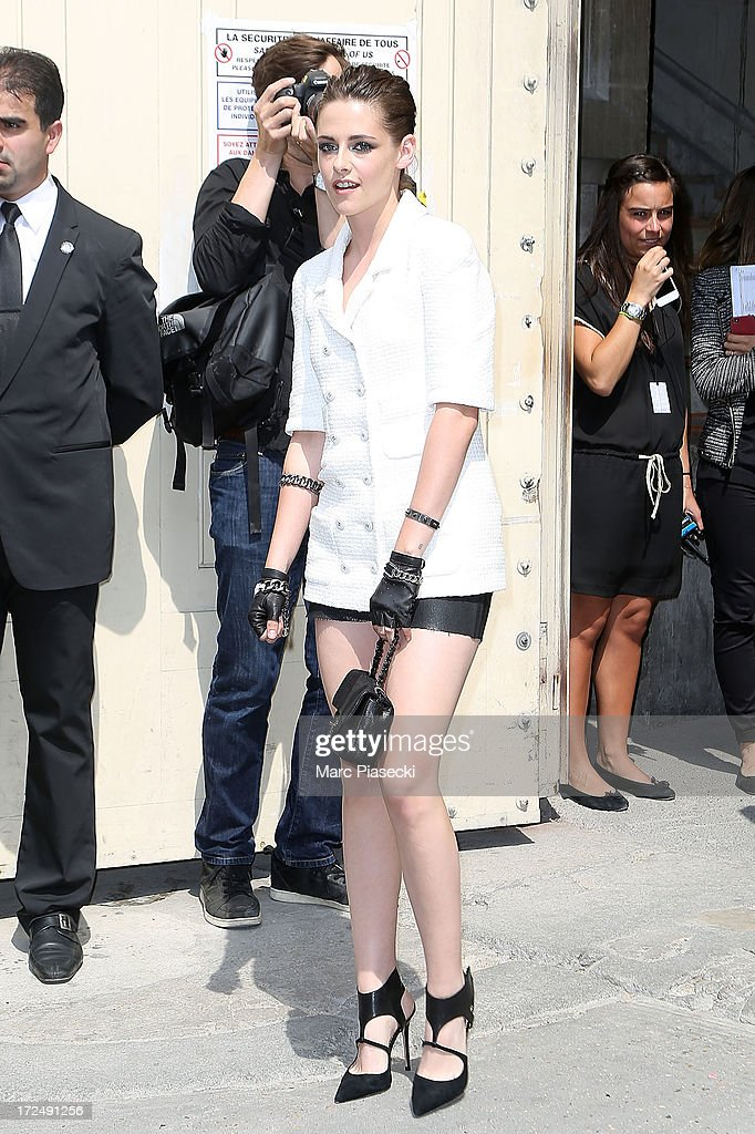 Kristen Stewart attends the Chanel show as part of Paris Fashion Week Haute-Couture Fall/Winter 2013-2014 at Grand Palais on July 2, 2013 in Paris, France.