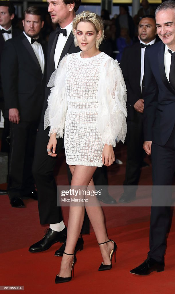 Kristen Stewart attends the 'Personal Shopper' premiere during the 69th annual Cannes Film Festival at the Palais des Festivals on May 17, 2016 in Cannes, France.